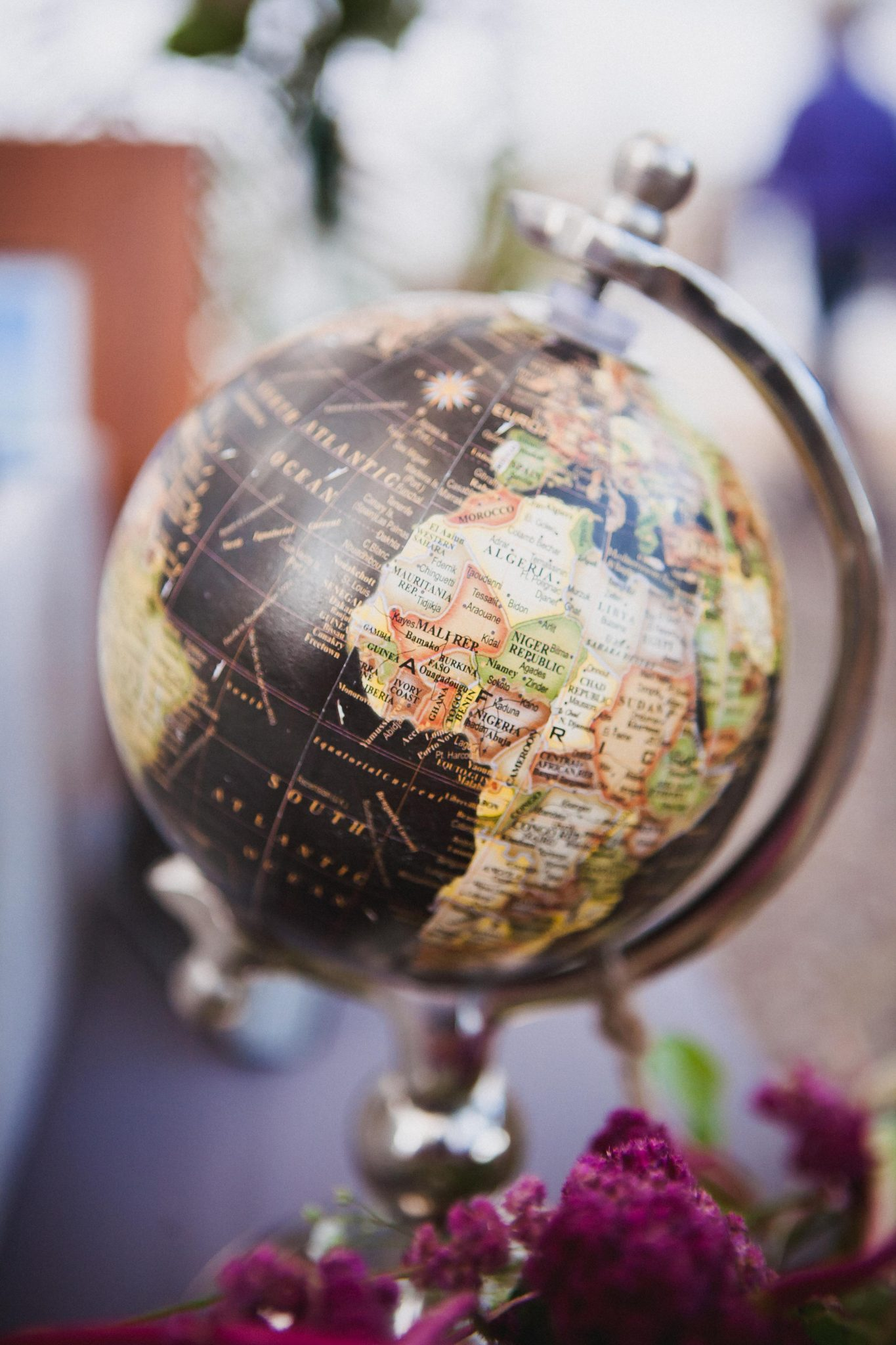 Vintage globe wedding decoration at the reception